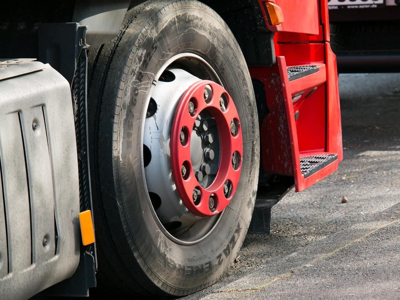 lorry tyre